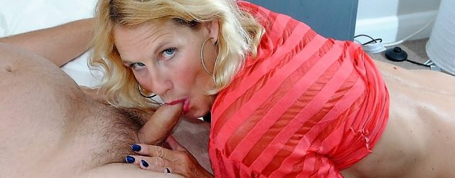 beautiful and horny mother looking to be fucked