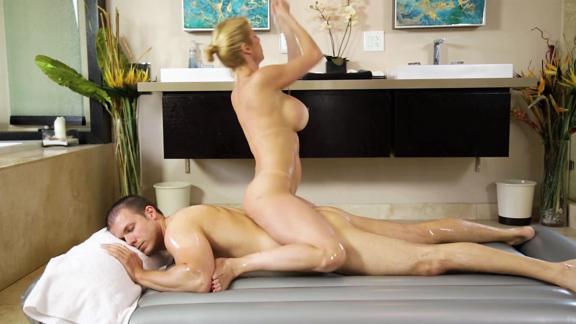 Cock Riding MILF Porn Reverse Cowgirl Woman on Top