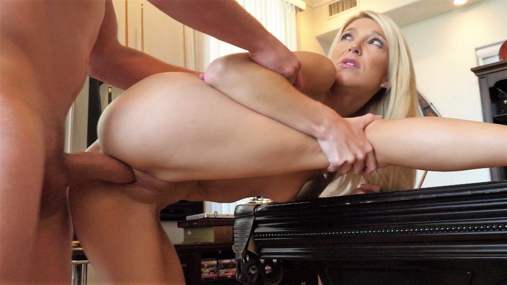 Laura Bentley getting fucked milf porn photo
