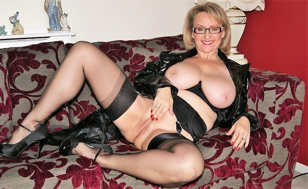 Top Rated MILFS Hall of Fame Sugarbabe